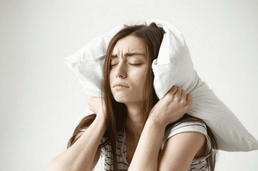 Insomnio: El posible causante de los centímetros de más en tu cintura